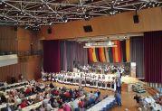 Festansprachen der Ehrengäste in der Badnerlandhalle, der schönsten Festhalle in der Region
