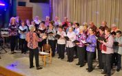 Wie immer umrahmt der Chor der Banater Schwaben Karlsruhe mit den Solistinnen Irmgard und Melitta die Veranstaltung