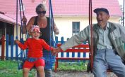 Auf dem Kinderspielplatz beim Billeder Kulturhaus