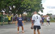 Noch davor, am Sonntagmorgen ab 9 Uhr, gab es auf dem Handballplatz in der Allgemeinschule das seit Jahrzenten traditionelle >>Pipatsch-Handballturnier<< mit 8 Teilnehmermannschaften