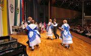 Tanzvorführung in schwäbischer Tracht